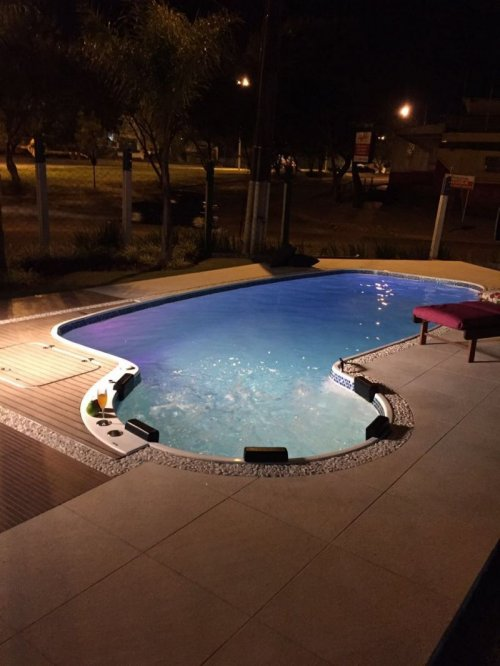 Foto piscina de fibra